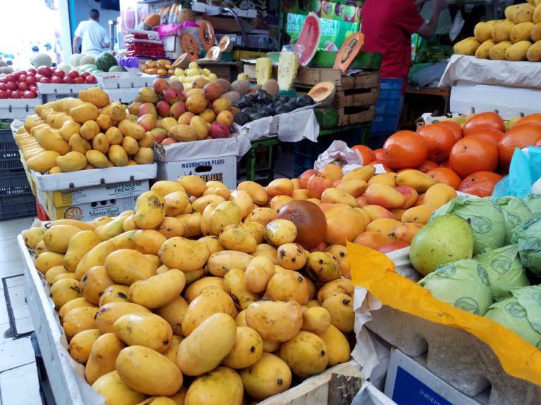 Picture Tour of Mercado La Cruz